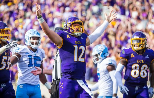 Holton Ahlers celebrates a touchdown against UNC